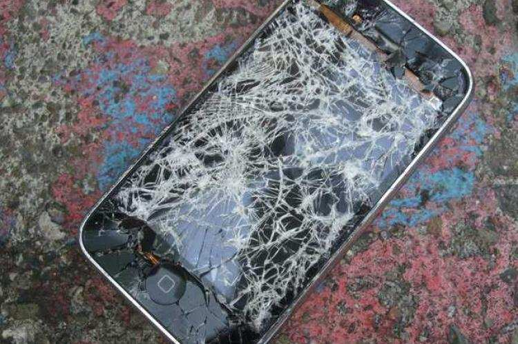 scientists have invented a smartphone screen material designed to repair its own scratches